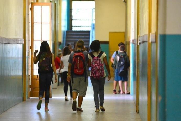 Ir para Rede estadual do RS registra queda de mais de 40 mil alunos em 2018, diz Censo Escolar.