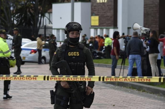 Atentado contra Polícia de Bogotá deixa oito mortos e 38 feridos.