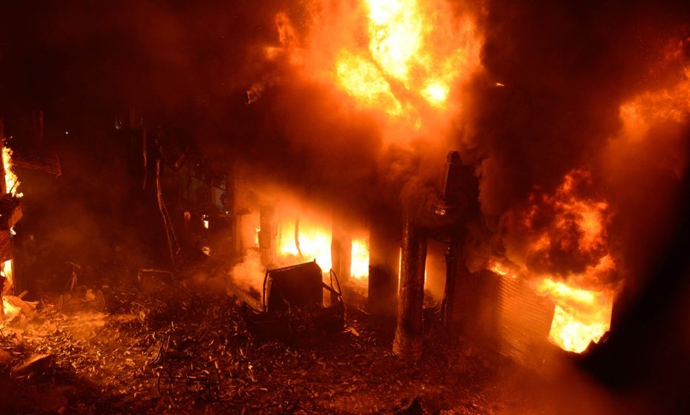 Incêndio deixa 70 pessoas mortas em Bangladesh.