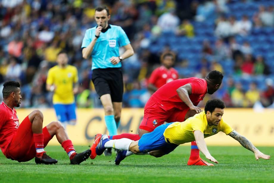 Brasil decepciona com empate contra o Panamá por 1 a 1 e começa o ano sob vaias.
