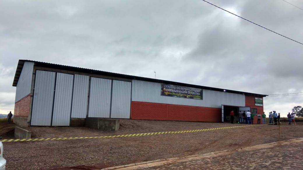 Ir para  <p><big>O pavilh&atilde;o da Ecoterra - Associa&ccedil;&atilde;o Regional De Coopera&ccedil;&atilde;o e Agroecologia -&nbsp; recentemente instalado &agrave;s margens da BR 153, no distrito industrial de...