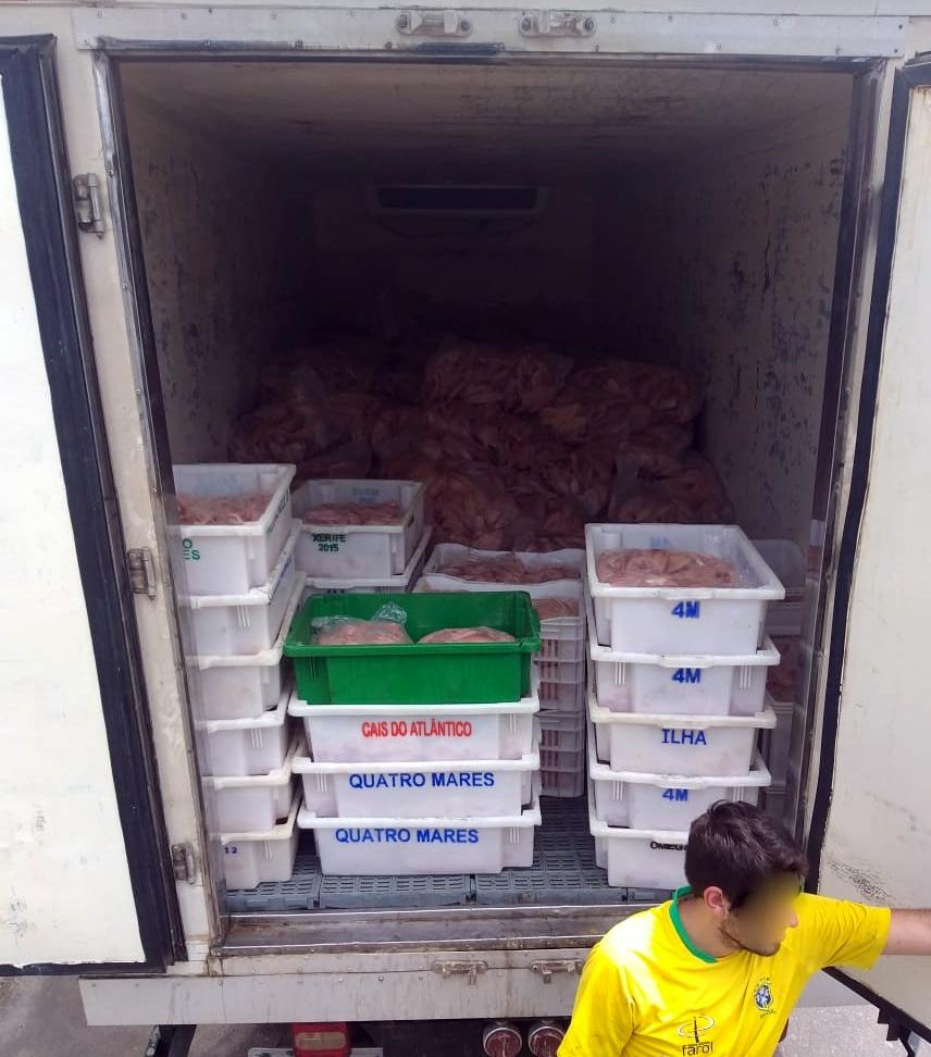 Ir para PRF recupera seis toneladas de filé de tilápia após roubo em Santa Catarina