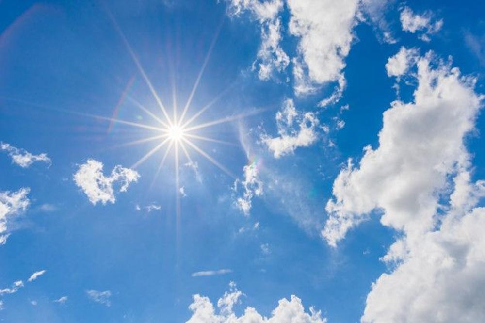 Ir para  <p><big>O calor continua no Rio Grande do Sul neste domingo. Uma massa de ar quente atua no Estado, e sol aparece em todo o territ&oacute;rio ga&uacute;cho com tempo aberto na maioria das regi&otilde;es. O ar seco ainda...