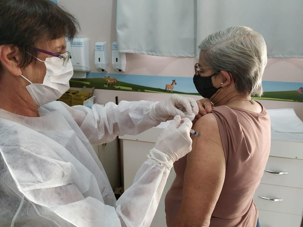 Ir para  <p><big>At&eacute; o dia de hoje (06/07) a UBS Viadutos j&aacute; aplicou 3.935 doses da vacina contra a COVID-19, sendo 2.705 para a primeira dose (totalizando 57,7% da popula&ccedil;&atilde;o) e 1.230 doses para a...
